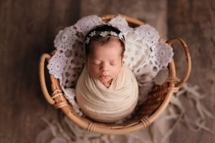 Poze de nou-nascut Bucuresti - Sedinta foto newborn Bucuresti