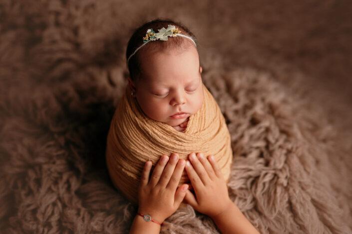 Sedinta foto newborn Bucuresti - Poze de familie Bucuresti