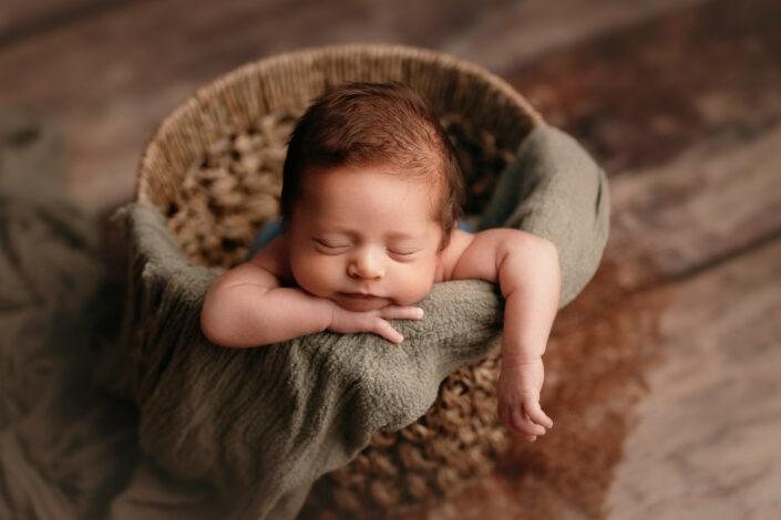 Fotografie de nou-nascut Bucuresti - Poze newborn Bucuresti
