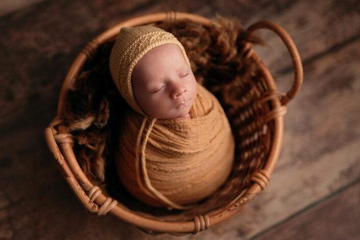Fotograf nou-nascut Bucuresti -Poze newborn Bucuresti