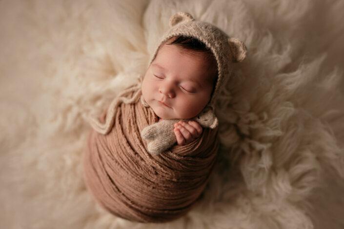 Sedinta foto nou-nascut-Sedinta foto newborn Bucuresti