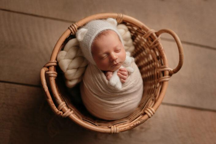 Sedinta foto newborn Bucuresti-Fotograf de familie Bucuresti
