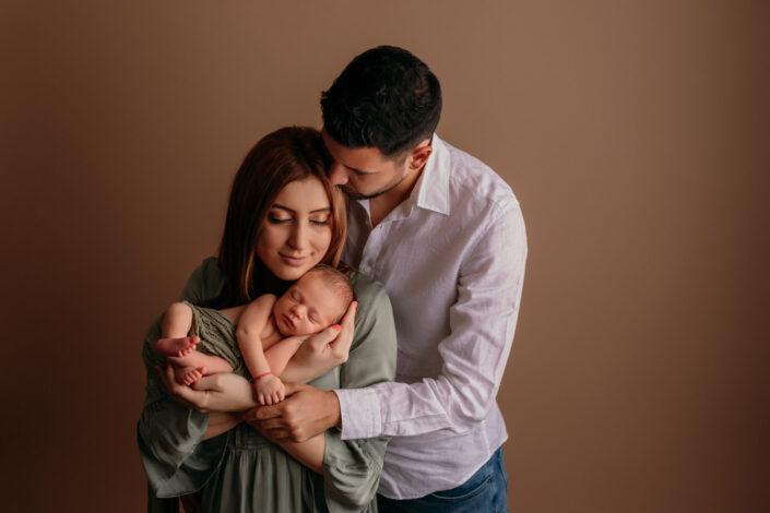 Poze newborn Bucuresti-Fotograf de familie Bucuresti
